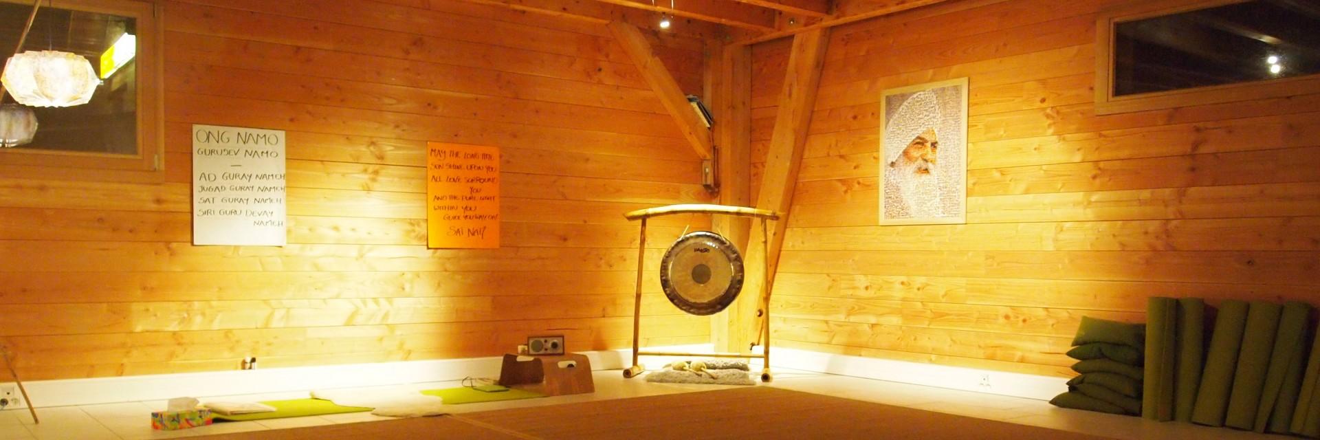 Photo angle salle Prana Yoga